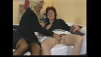 Sexy Older Blonde Slide Large Dildo In Chicks Tight Pussy
