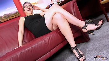 Pierced extreme babe with glasses rock the cock on fake casting 26 min