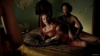 Spartacus lucy lawless naked Lucy lawless - spartacus: s01 e02 2010