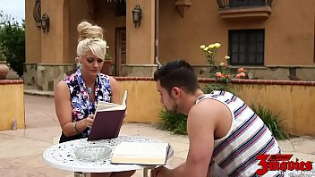 Holly Heart Isnțt A Very Good Tutor But She Fucks Great 24 min