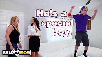 Funny boobs video - Bangbros - juan el caballo loco gets milf reagan foxx for his birthday