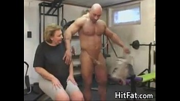 Thick Granny Fucked By A Trainer In The Gym