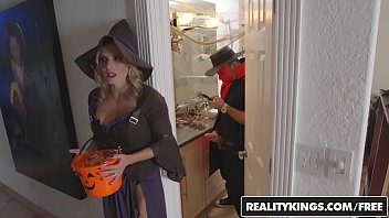 Halloween games teens Realitykings - moms bang teens - halloweeny
