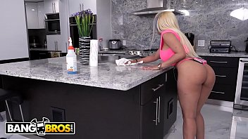 BANGBROS - Lovely Latin Housewife Luna Star Fucked Hard By The Handyman