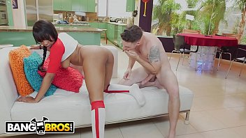 BANGBROS - Steamy Interracial Sex With Beautiful, Black & Curvy Babe Jenna Fox