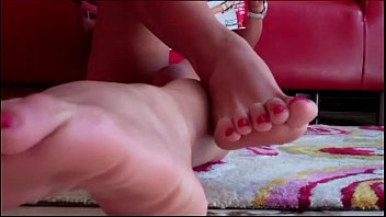Summers perfect size 8 feet