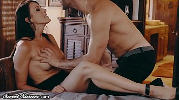 CoverSweetSinner Drilling My Best Friends Hot MOM in His Bed!