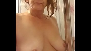 Streaming Video I'm in the bathroom and show my naked body - XLXX.video