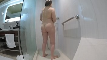 Streaming Video Grandma's amazing body in the shower - XLXX.video