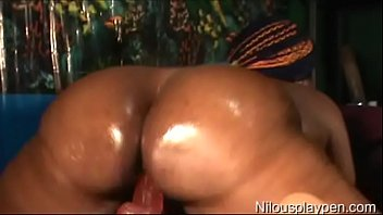 Live VNA Anal Fingering and Dildo Riding : Nilou Achtland
