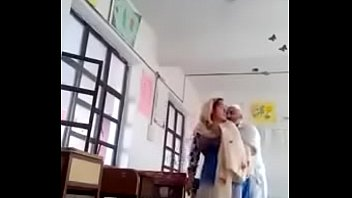 A 70 yrs old man sex with 30 yrs bold lady in classroom.