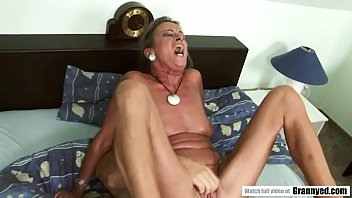 Hot sex old woman - 44yo milf needs a dick