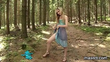 Naughty czech girl stretches her pink muff to the extreme