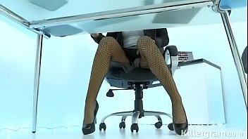 HOT MILF JASMINE JAE PLAYS THE SEXY OFFICE - Seehdchat.online