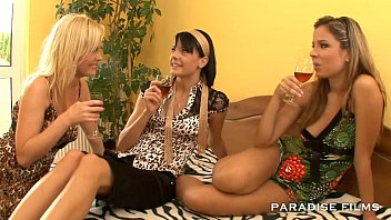 PARADISE FILMS Lesbian Threesome Gourmet