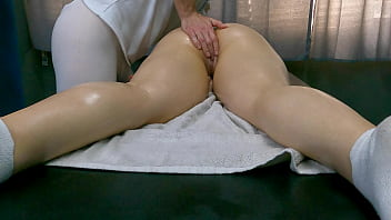 Is this your Wife? Masseur Masturbate Clients Pussy at Massage Room!