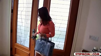 Janet reid pussy pictures Skinny teen and big tits milf ffm 3some in the kitchen