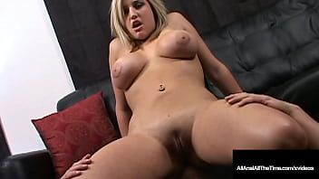 Hot Young Tongue Fucked Dayna Vendetta Spreads Butthole For Rimming!