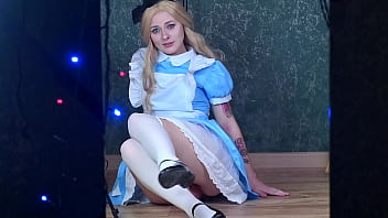 Alice fucks her pussy with Rabbit's carrot in Wonderland - SpookyBoogie Cosplay 11 min