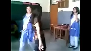 Sexy boys nude Pakistani girl dance in front of boys in classroom