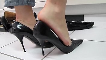 Sexy foot jobs free clips Cams4free.net - black sexy high heels shoeplay