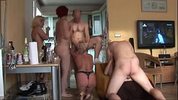 Amateur group sex with some matures - 69VClub.Com