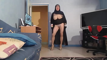 veiled muslim with big tits