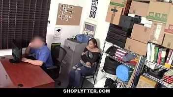 ShopLyfter - Black Bubble Butt Teen Lets Security Fuck Her Raw thumbnail