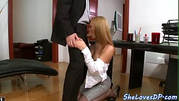 Pretty Babe Doublepenetrated At The Office