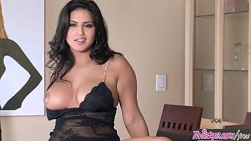 Twistys - Dark And Dangerous - Sunny Leone
