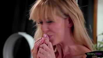 Gorgeous glamour milf flexes her pussy
