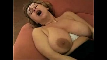 Grannys saggy boobs free - Saggy gran with awesome areolas