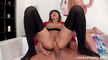 Pissing, Drinking, Plastered on DP. Pussy only like dp optional. Creampiee, swallow and gapes GIO017 Vorschaubild