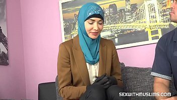 Muslim babe gets horny with the authorities
