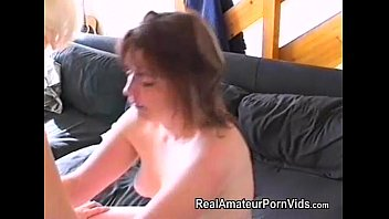 Nervous housewifes first lesbian encounter