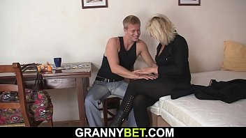 Blonde old woman fuck