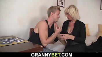 Mature women fucking neighbor - Blonde old woman fuck
