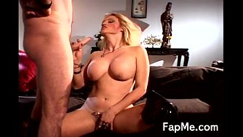 Massive breasts licked - Hot bitch shows off her sucking skills