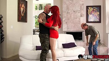 Redhaired Alyss a Lynn gets hammered with ragi mered with raging big cock