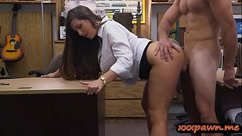 Round big ass woman nailed by pawn dude