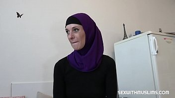 Hot muslim milf loves hard sex