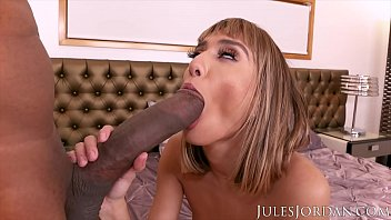 Jules Jordan - Petite Beauty Janice Griffith VS Dredd