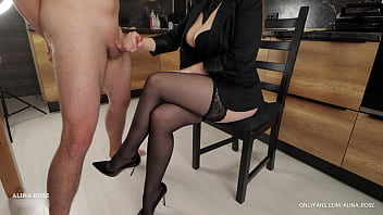 Classmate came home to student to masturbate on her stockings