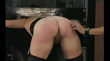 Nude woman drubbing video with extreme bondage
