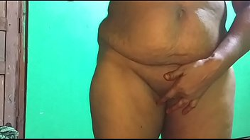 indian aunty vanitha ravei showing big boobs and pussy i want fuck long cock