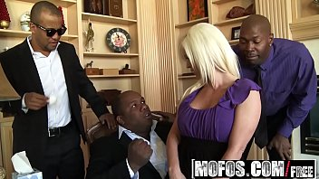 Mofos - Milfs Like It Black - Campaignin for Cock starring  Kaylee Brookshire