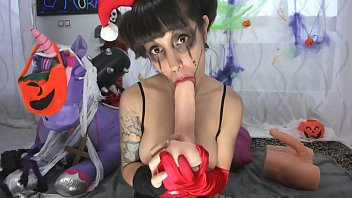 Harleyquinn fucks mouth and pussy 13分钟