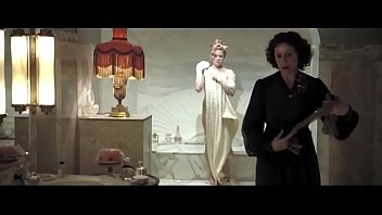 Amy Adams Nude In Miss Pettigrew Lives For A Day