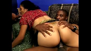 Indian cutie Lashki needs four hard schloengs at one time to have successfull party