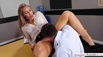 Naughty America - Find Your Fantasy Nicole Aniston fucking in the desk with her medium ass porno izle